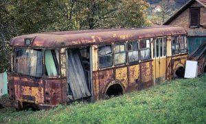 ". Karoserija autobusa ""Rakete"" u Buaru Terazijskom, foto B. Radojčić"
